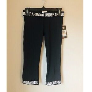 NWT Under Armour Charged Fitted Black Capris